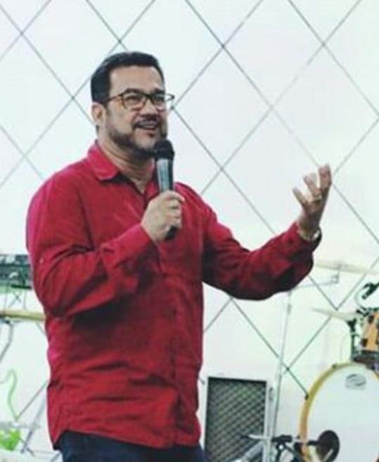 Pr. Fábio Correia
